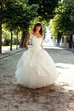 Romantic Ball Gown Wedding Dress Custom Made 2016 vestido branco Charming Handmade Flowers Tulle Long Elegant Bride Dresses