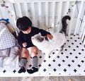 Bebé cama sábana ajustable 1 unids 130x70x10 cm 5 diseños bebé cuna simplemente estilo hoja 100% algodón negro y blanco para los niños niñas