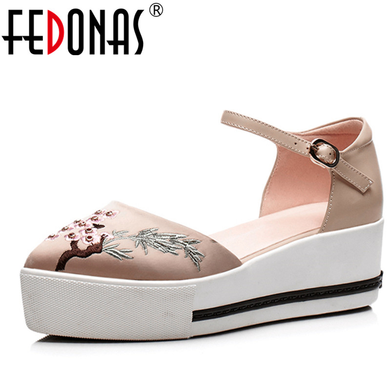 FEDONAS 2018 Women Embroider Pumps Mary Jane Wedges High Heels Shoes Genuine Leather Pointed Toe Wedding Party Shoes Woman цена