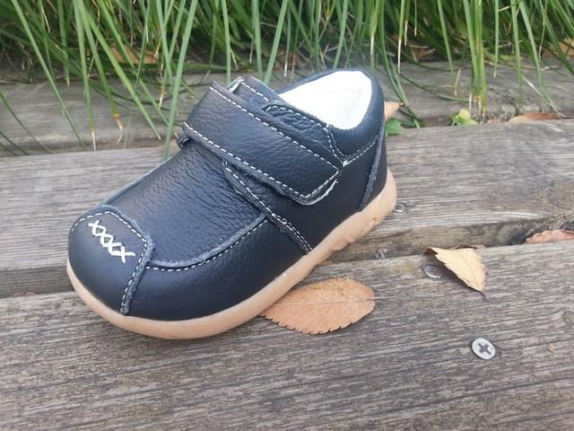 Promoción libre del envío de Los Niños antideslizantes zapatillas de suela de cuero genuino buen quanlity bebé niño bebé zapatos de los muchachos