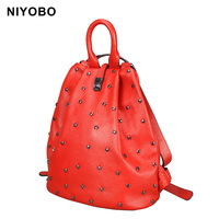 Genuine Leather Women Backpack Fashion Cowhide Leather Backpack Star Rivet Women Shoulder Bag Mochilas Mujer