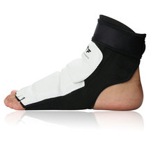 New High Quality Taekwondo Foot Protector KTA For Offical Competition Fighting Feet Guard Kicking Box foot Ankle Protector Spats
