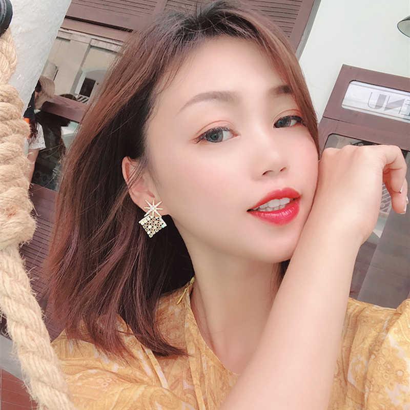 Heeda 日本韓国ファッション女の子スタースタッドピアスパーティー日付高級耳アクセサリー女性 Kpop ゴールドメタルステートメントジュエリー