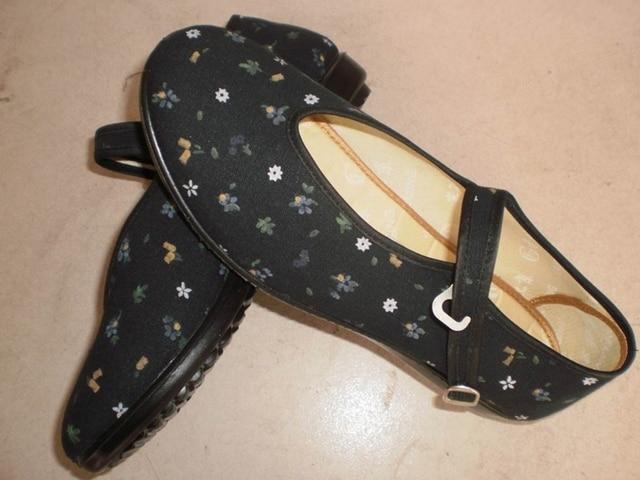 Cotton-made beijing shoes vintage shoes women's shoes red cotton cloth shoes round hasp red dance shoes dance quinquagenarian