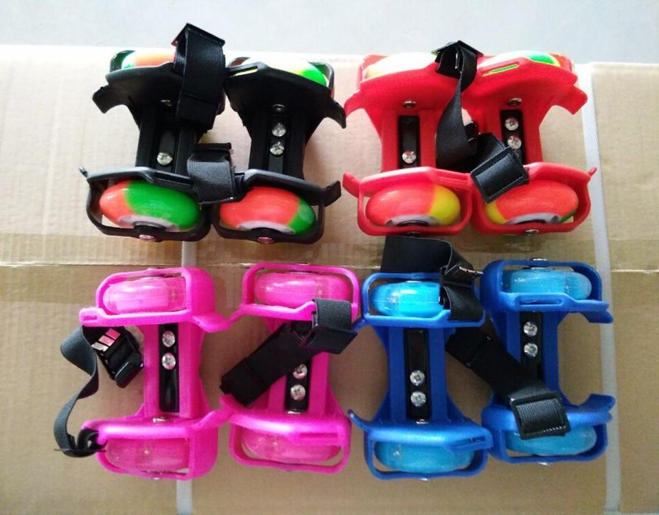 Prix pour Gros Coloré Clignotant Rouleau Petit tourbillon poulie flash roue Skate Chaussures Flashing Roller chaussures De Patinage Chaussures
