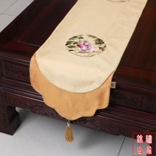 200*33cm Chinese Classic Luxurious embroidered Flower Pattern Brocade Light Yellow Table Runner and Bed Flag With Tassel(China)