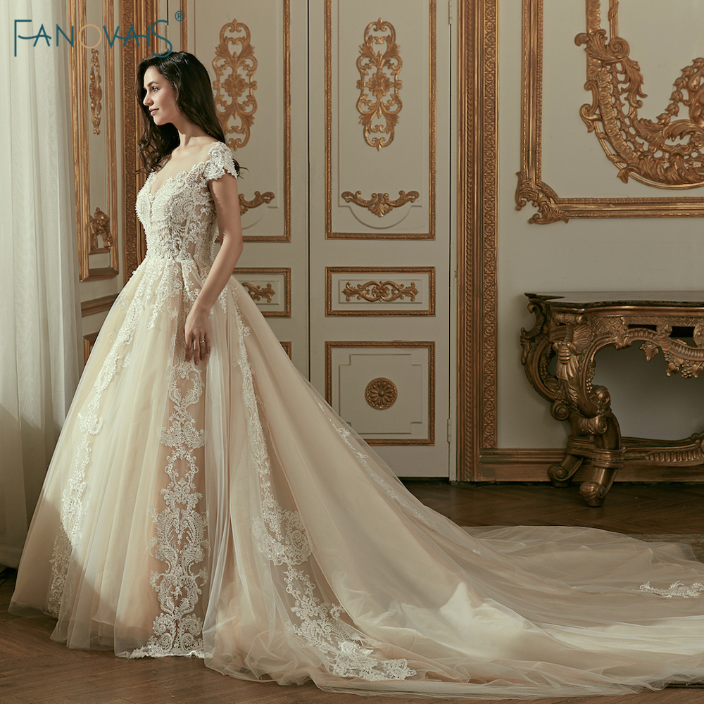 Champagne Vestidos de Casamento do vintage 2018 da Luva do Tampão vestido de Baile Vestido de Casamento Long Train Frisada Lace vestido de Noiva Vestido de Novia WN4