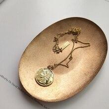 925 فضة الإغاثة الشكل قلادة بحلية متدلية على شكل عملة الذهب الجولة موضة الرمزية قلادة للنساء 2018 حُليات المجوهرات هدية