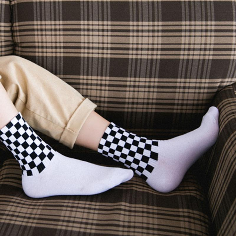 Men Novelty   Socks   Chic Harajuku Checkerboard Hiphop   Socks   Sox Long Unisex Cotton   Sock   White and Black Squares Skateboard   Socks