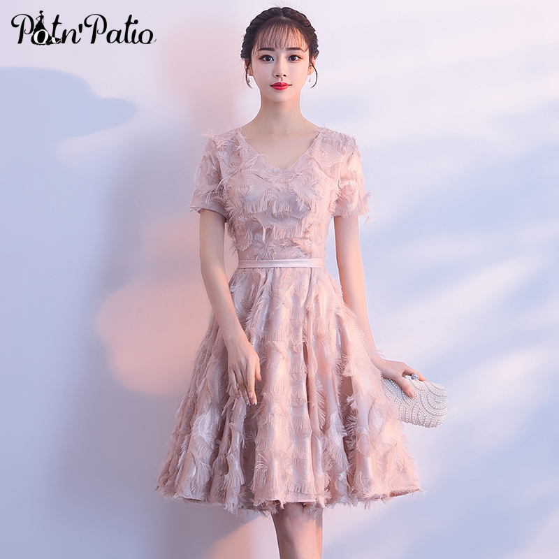 Elegant Pink   Cocktail     Dress   Party 2019 V-neck With Cap Sleeves Lace Feather Short Semi Formal   Dresses   Plus Size