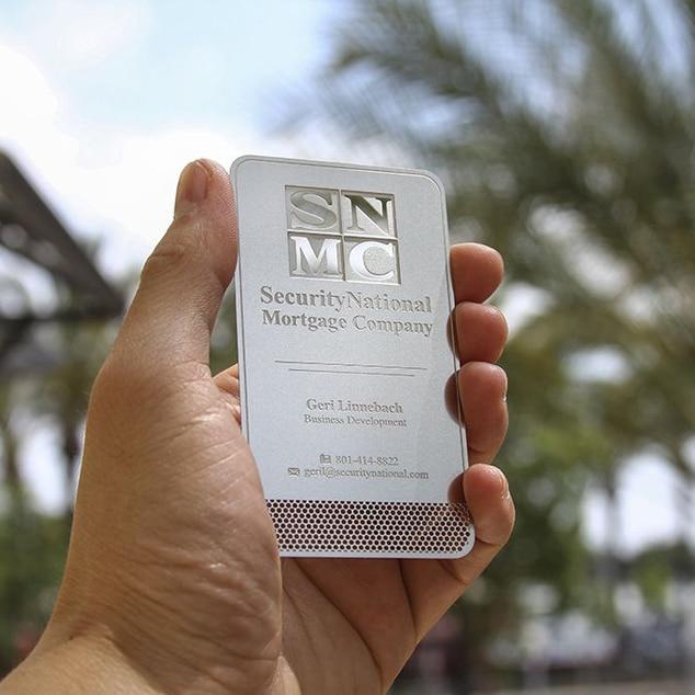 Металлическая карточка из нержавеющей стали с индивидуальным принтом цвета