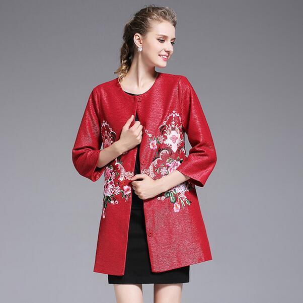 2017 new Outono retro palácio de estilo Europeu das mulheres Pesado bordado flores grandes estaleiros Magro trench coat outwear T581