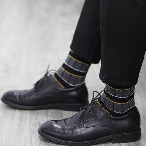 Image 5 - Match Up Erkekler Iş Pamuk Şerit Ekose Çorap Serin rahat elbise Çorap Düğün hediyesi Çorap (5 çift/grup)