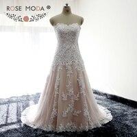 Rose Moda Bretelles Blanc sur Blush Équipée Dentelle Une Ligne Robe De Mariée En Dentelle dans le Dos