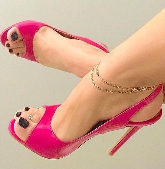 Stylish Pink Patent Leather Slingback