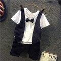 Verano Del Bebé Trajes Formales Caballeros Guapos Ropa Conjuntos Niños Wedding Party 2 unids Pajarita Trajes Shirt + striped pantalones set