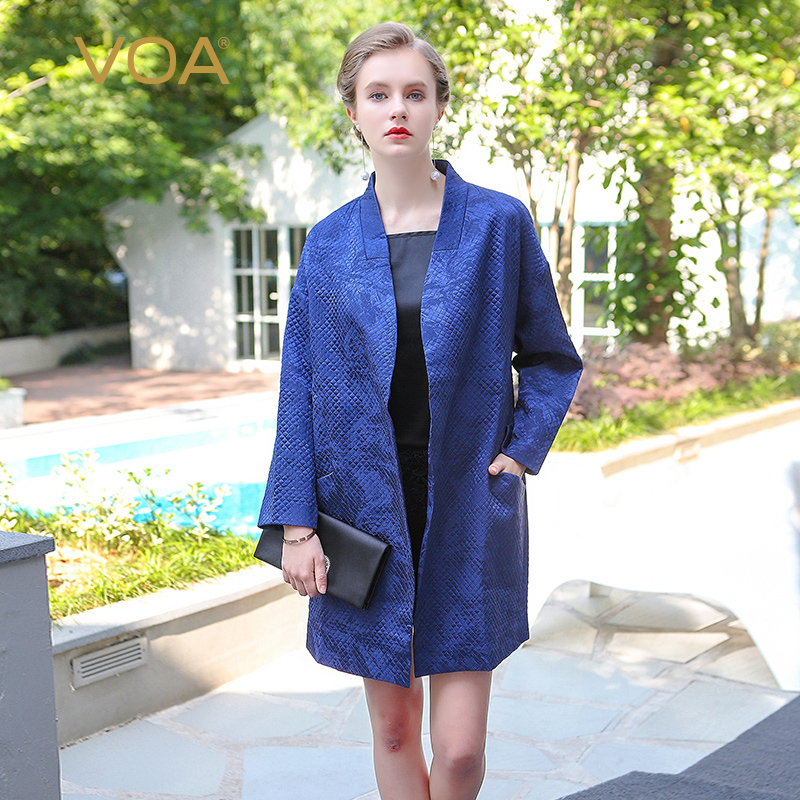 VOA 2017 Autumn Winter Navy Blue Casual Oversize Coat Batwing Sleeve Silk Jacquard Brief Solid Loose Robe Women Parka M5288 voa 2017 autumn winter new fashion women slim short jacket white brief casual long sleeve print silk jacquard coat m6137