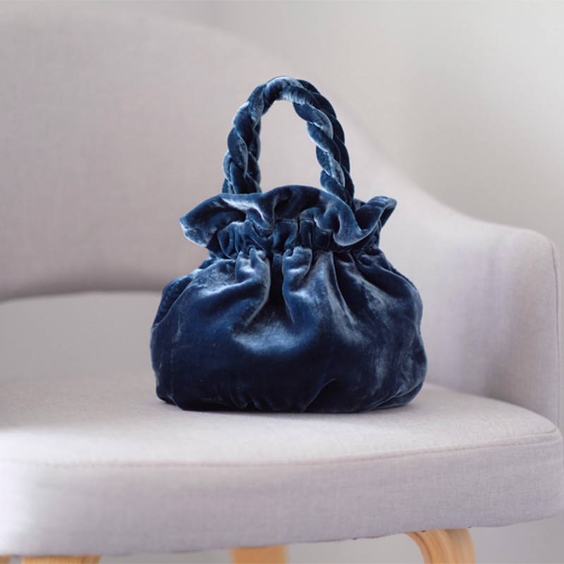 2019 New Autumn Winter Holiday Bag Silk Velvet Ins Style Handbag Solid Fashion Classic Elegant Leisure