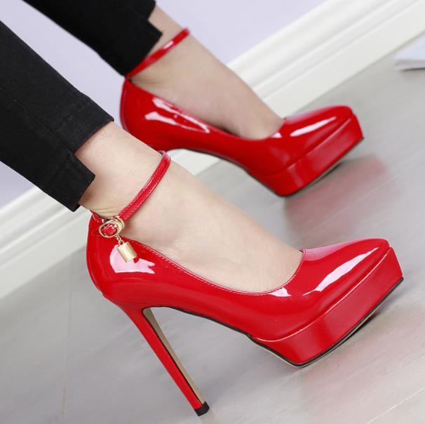 Profonde Boucle kaki rose forme Nouvelle Des Étanche TalonsNoir Peu Simples 2018 Femmes De Sharp Sexy rouge Plate Chaussures Printemps Mot XZukOPi