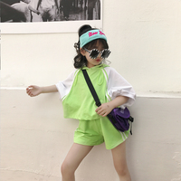 Girls suit 2019 summer new children's bat sleeve loose hooded shirt shorts hit color two piece