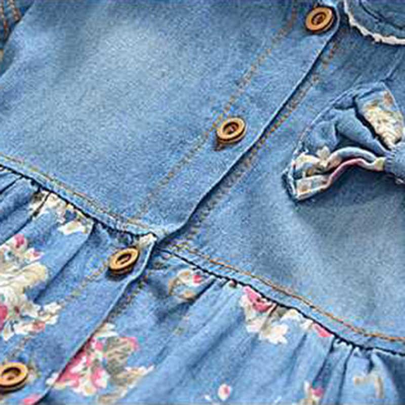 aaa3146c4e0 ... Летнее джинсовое платье в цветочек для отдыха для девочек симпатичное  джинсовое платье с бантом для маленьких
