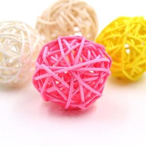 Image 4 - 10Pcs 5Cm 11 Kleuren Rotan Bal Ornamenten Sepak Takraw Thuis Kerst/Verjaardag Bruiloft Decoraties Kinderen Speelgoed houten Ballen