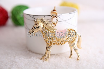 Free Shipping Newl Alloy classic  3D  Hollow Carved Simulation Mini Horse Shape Keychain Keyring K0026