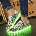 2017 Novos Homens Sapatos Com Luzes Led Primavera/outono Tenis Usb Brilhante Luz Con Schoenen Graffiti Plano Zapatos Casuales levou Sapato