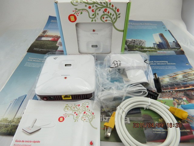 Huawei R101 HSPA + / HSUPA / HSDPA / UMTS portable usb wireless router