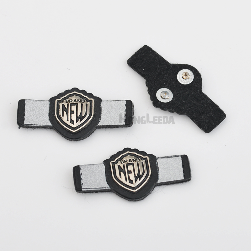 Constructive 20pcs/lot 4*2cm Pu Leather Sew On Badges With Metal Alloy Logo Black/white Clothing Label For Jeans/jacket Plb-022 Excellent In Quality