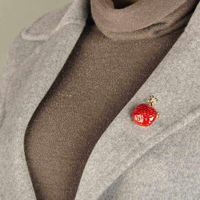 Blucome Dello Smalto A Forma di Frutta Melograno Rosso Spilla Regalo Carino Accessori Del Vestito Del Risvolto Spille Degli Uomini delle Donne Abbigliamento Distintivi e Simboli Sciarpa Fibbie