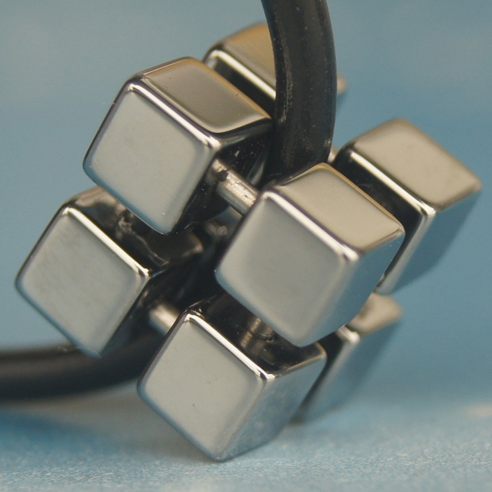 Original tungstène argent gris couleur sport magique géométrique cube hi-tech résistant aux rayures tungstène pendentif collier