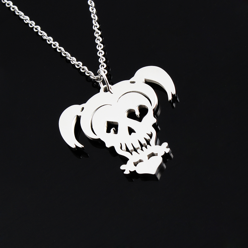 Suicide squad necklace harley quinn joker stainless steel for Harley quinn and joker jewelry