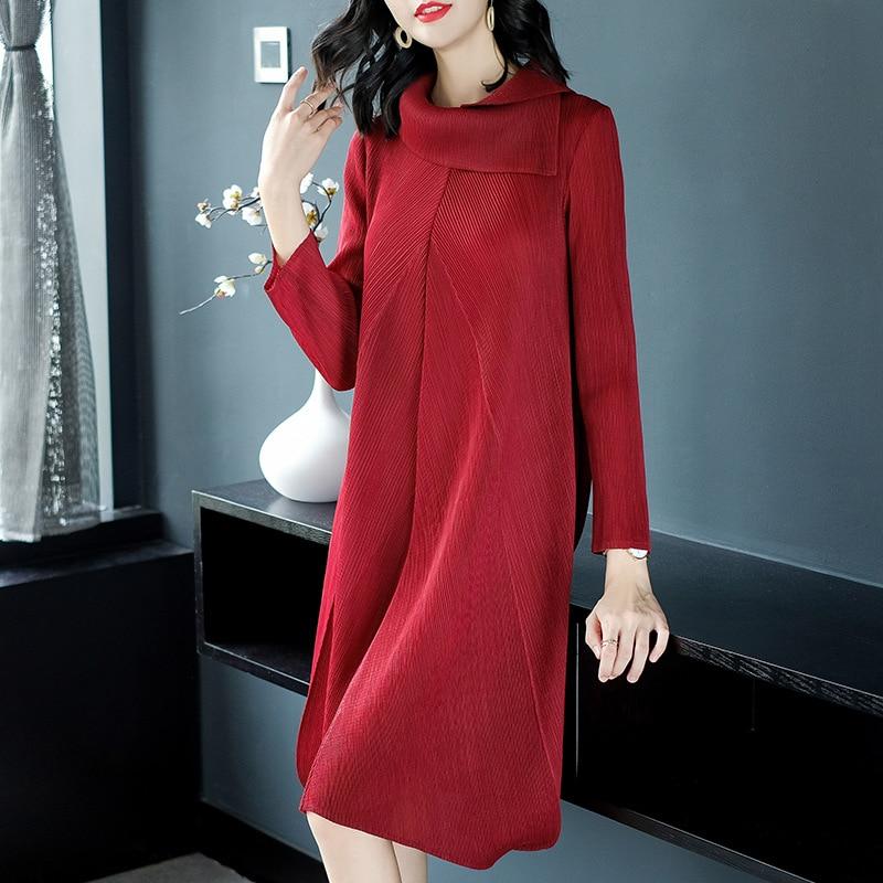 Kadın Giyim'ten Elbiseler'de Kadınlar Casual Pilili Düz Renk Sonbahar Sonbahar Gevşek Bayan Zarif Ücretsiz Boyutu Tek Parça Elbise'da  Grup 1