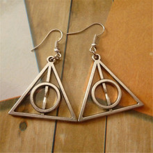 Deathly Hallows Anting-Anting Segitiga Horcrux Luna Lovegood Vintage Retro Sederhana Anting-Anting Drop Film Perhiasan untuk Wanita(China)