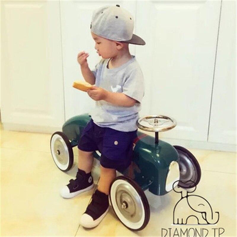 Accessoires de photographie de Studio classique en métal Scooter Photo Shoot accessoires pour bébé posant des accessoires de voiture de fer sur des jouets pour les enfants