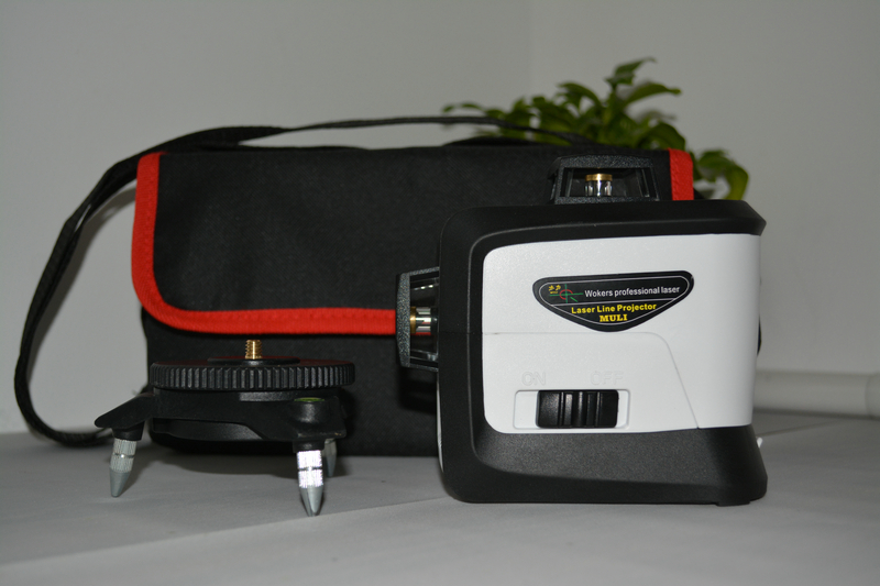 12 line laser level 360 Vertical And Horizontal Self-leveling Cross Line 3D Laser Level Red Beam with AA battery