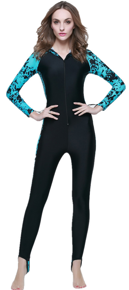 ФОТО Women's Full Body Sports Skins Printed Parchwork  Black  Swimsuit Sea Surf With Hooded New Women Wetsuits colorful wetsuits