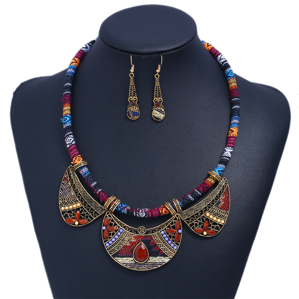 Marte&joven Bohemia Summer Style Collar Flower Statement Necklace Romantic Gold Color Blue Rhinestone Womens Necklace Modern And Elegant In Fashion Back To Search Resultsjewelry & Accessories