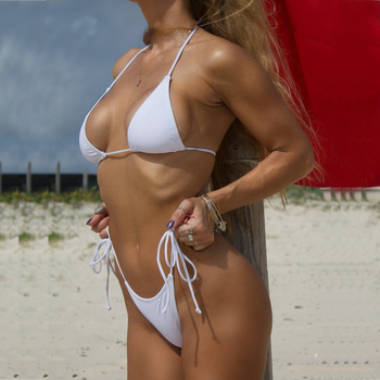 6f1bde73d73 Blanco sólido clásico Bikini Tanga de las mujeres trajes de baño verano  playa String Bikinis Sexy mujer traje de baño Multi Color traje de baño 1667