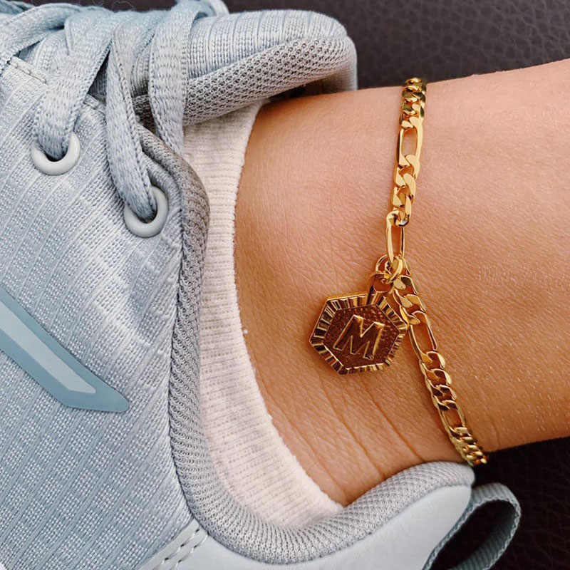 ฤดูร้อน Hexagon ตัวอักษรขาสร้อยข้อมือผู้หญิงเครื่องประดับสแตนเลส Feet CHAIN ของขวัญมิตรภาพจดหมายเริ่มต้นข้อเท้า