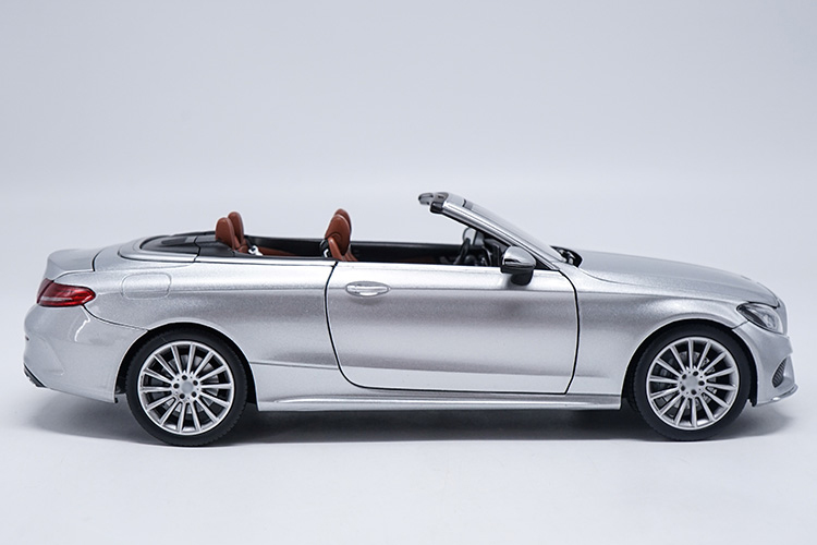 1:18 Diecast Model For C Class Klasse Convertible C200 A205 Silver Alloy Toy Car Miniature Collection Gift