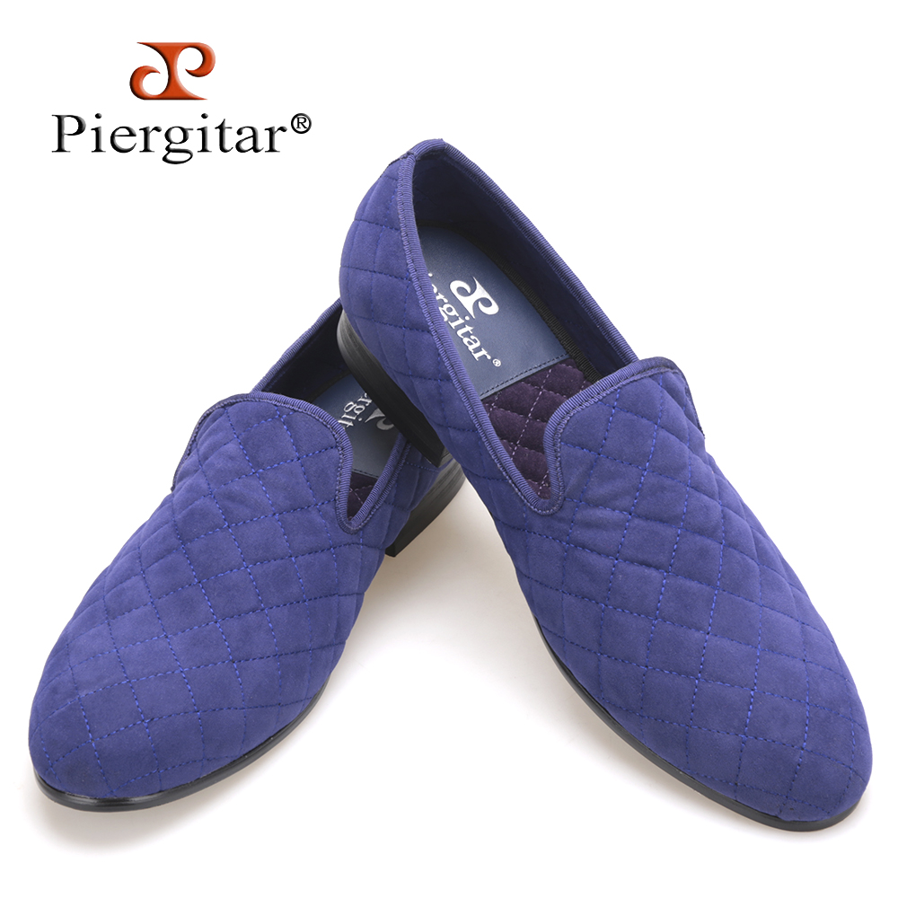 Handcraft men white and blue velvet shoes with stitching plaid pattern British smoking slippers male casual shoes men's loafers leisure men s loafers with hollow out and stitching design