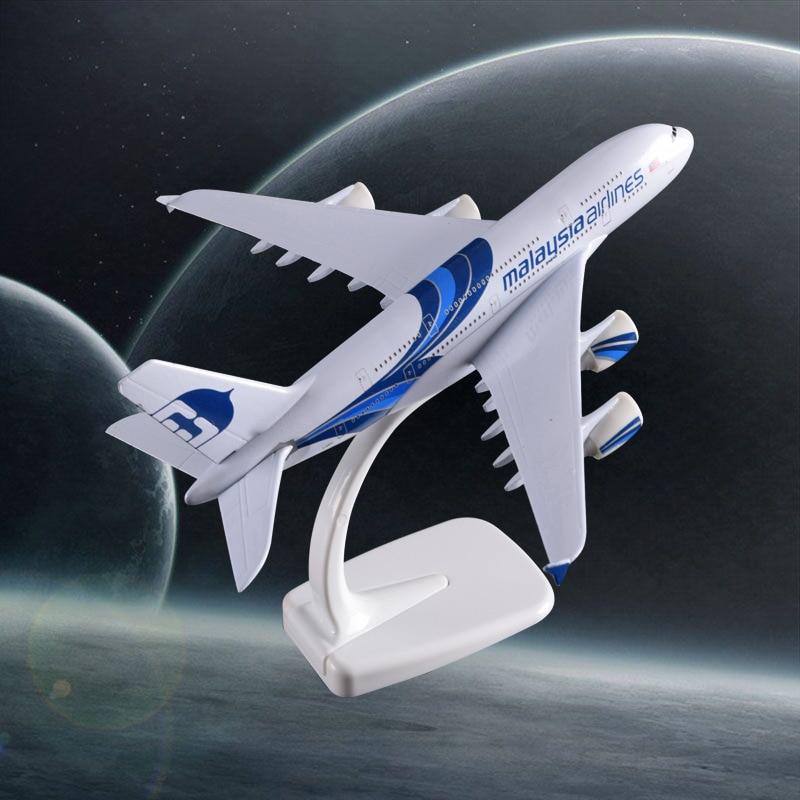 20CM A380 Malaysia Aircraft Model Internation A380 Aeronautical Airbus Malaysia Airways Model Holiday Gift Collection Souvenir