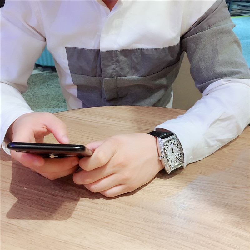 2019 New Hot Selling Couple Watch Wine Barrel Shape FM Full Star Watch Full Diamond Waterproof