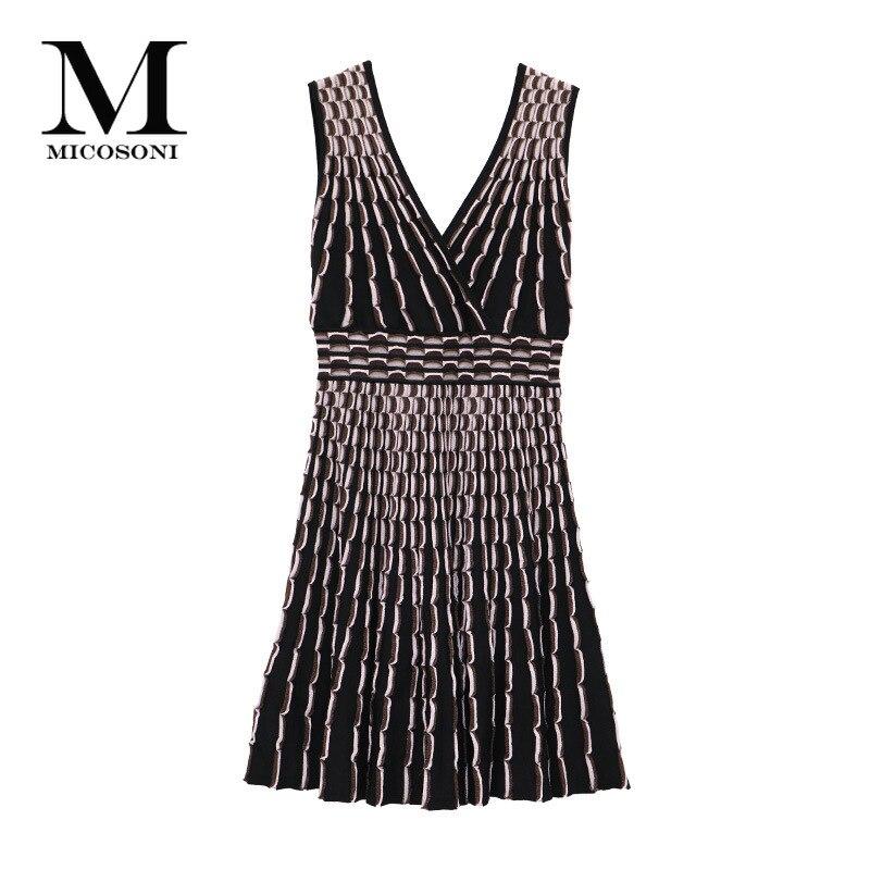 Kadın Giyim'ten Elbiseler'de Italyan High end kalite 2019 yaz yeni derin V Yaka eşleşen altın ipek Jakarlı yüksek bel ince dalgalı çizgili örgü elbiseler S L'da  Grup 1