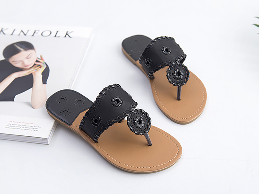 New 2018 Shoes Women Sandals Fashion Flip Flops Summer Style Hair ball Chains Flats Solid Slippers Sandal Flat Free Shipping