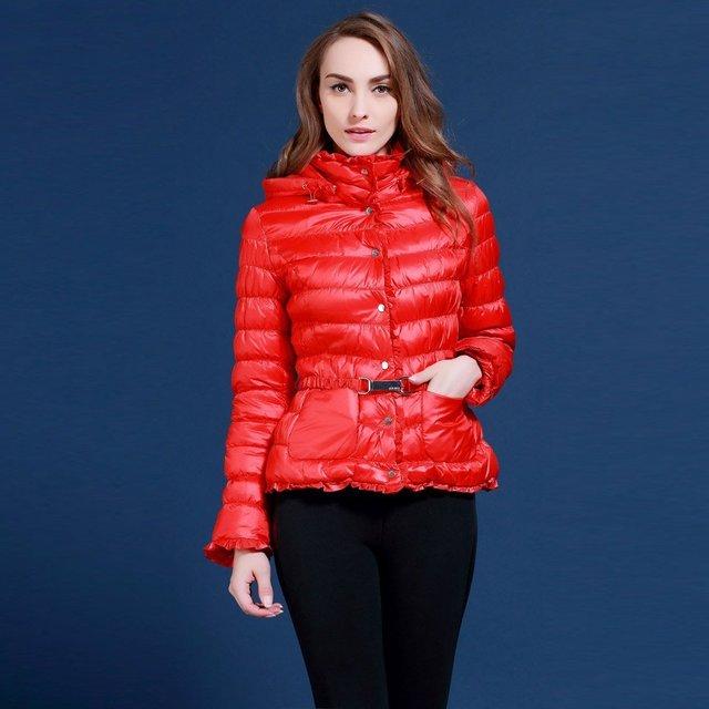 Grueso de las mujeres abajo cubren diseño corto rojo delgado invierno laciness prendas de vestir exteriores MSD-M101