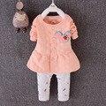 Девочка комплект одежды в форме сердца печать с бантом симпатичные 2 шт. ткань детей ткань костюм верх футболку + брюки высокое качество