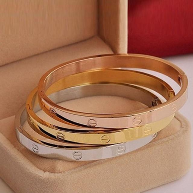Bangle Love Bracelet